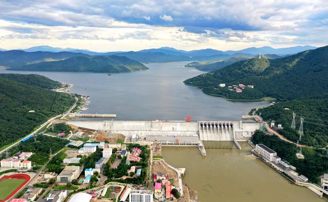 丰满水电站全面打点(重建)工程首台机组投产发电
