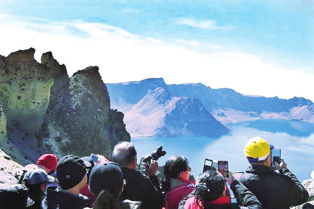 亮眼数据秀出强劲消费动力国庆假期吉林省旅游总收入超130亿元