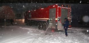 【视频】风雪夜 高新区紧急送来千吨水